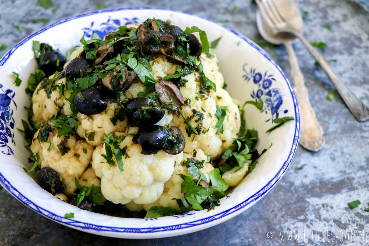 Sardinian cauliflower with anchovies and black olives