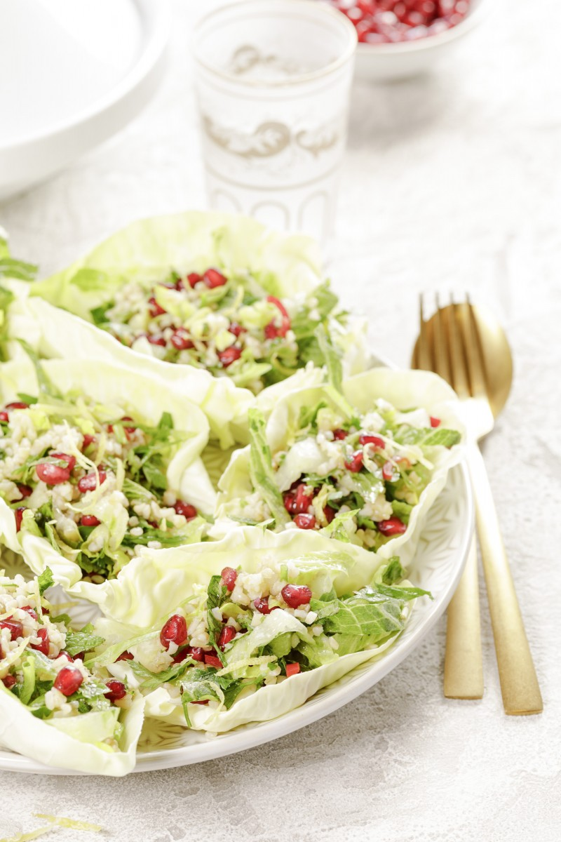 Tabbouleh with pointed cabbage and crunchy cos