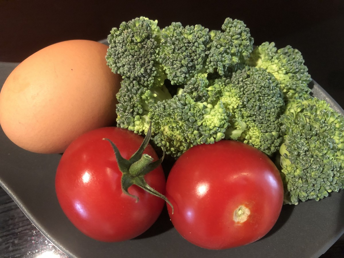 Broccoli and tomatoes for breakfast