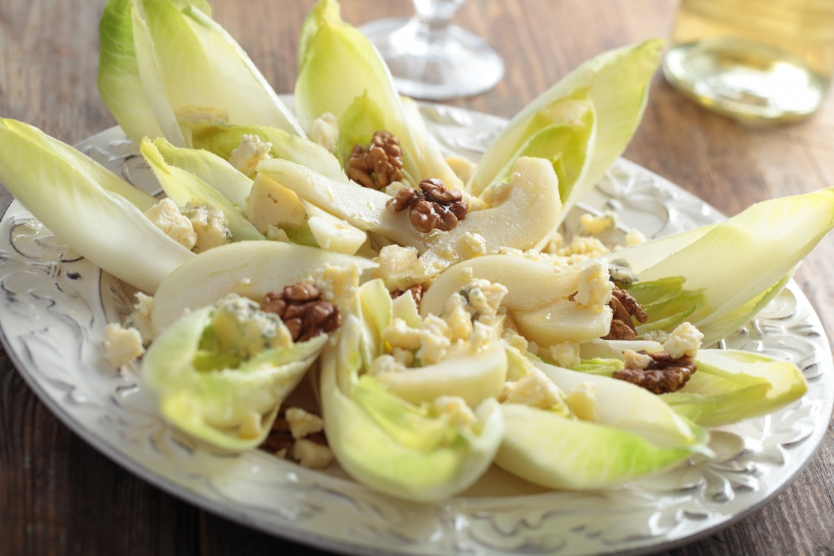 witlof, pear, blue cheese and walnut salad