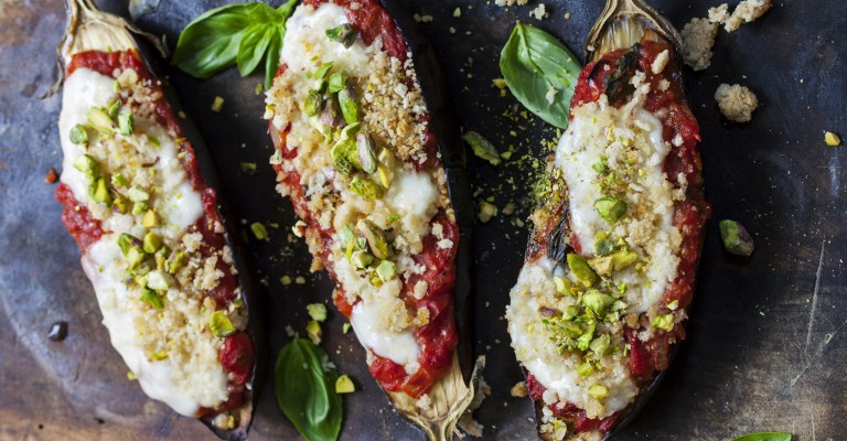 Grilled eggplant with mozzarella and pistachios | Love my Salad