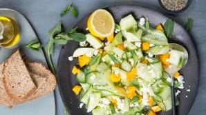 Salate mit Obst