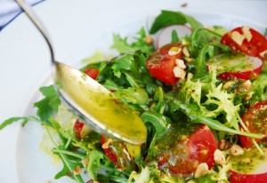 The role of the vinaigrette on salads