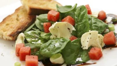 Wassermelonen-/ Spinatsalat