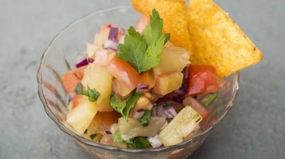 Salsa mejicana de piña y jalapeños
