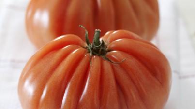 Salade de tomates coeur de boeuf au basilic