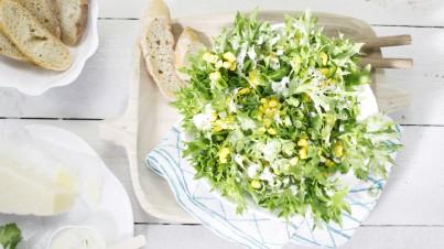 Salade met mais, jalapeño en koriander