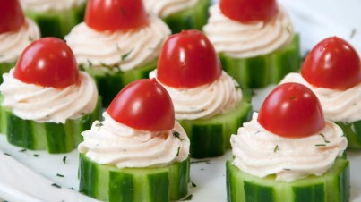 Komkommer-zalm hapjes