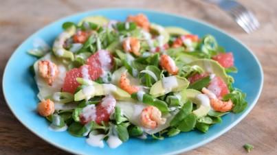 Salat mit Krebsen, Kohlrabi und Grapefruit