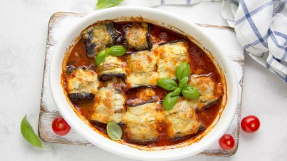 Eggplant rolls with minced meat