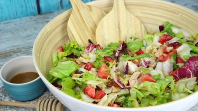 Endive, strawberry and pear salad with honey and mustard vinaigrette