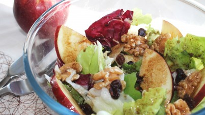 Apple and walnut salad with raisins