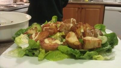 Salade romaine aux pommes de terre grillées à l'aïoli