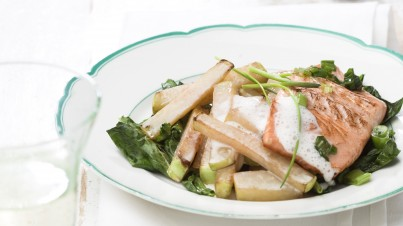 Salmon with creamy kohlrabi fries | Taste of Germany
