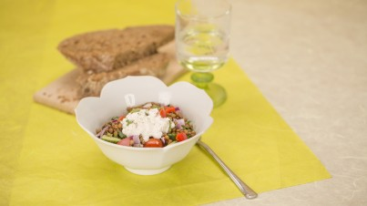 Lentil salad with tomato & red onion