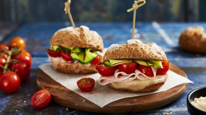 Small burgers with courgettes, provolone & sautéed and cooked cherry tomatoes