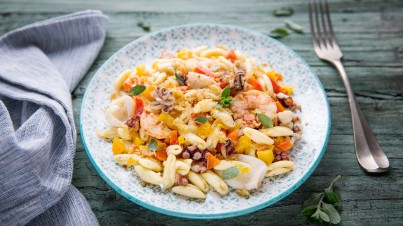 Pasta met zeevruchten, paprika en marjolein