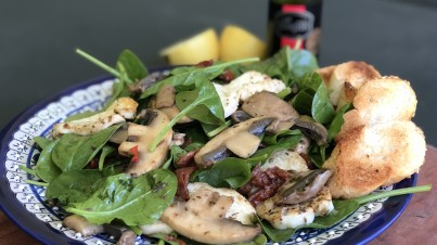 Greek-style mushrooms with halloumi