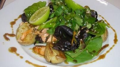 Tasmanian salmon salad with a spicy honey sauce
