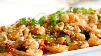 Thaise zoet-zure salade met zeevruchten