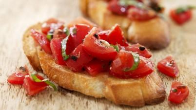 Bruschetta mit frischen Tomaten
