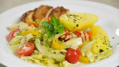Salade de chou braisé au poulet