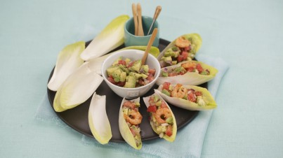 Witlof boats with grilled shrimps and salsa