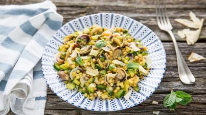 Italiaanse pasta met courgette, schelpen en verse munt