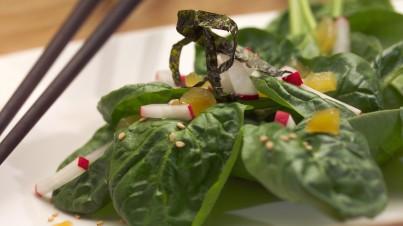 Japanischer Spinat-Salat mit Sesam und Ingwer
