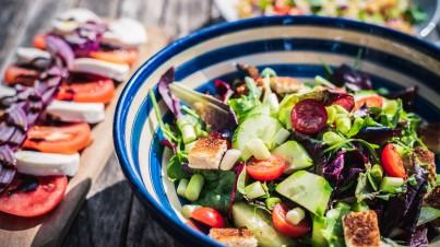 Tomaten-komkommer salade met feta