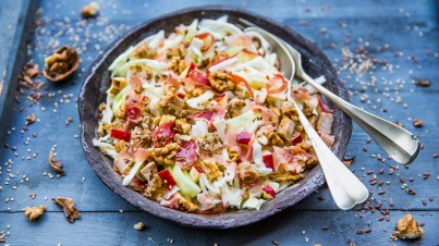 Cabbage salad with apple and bacon