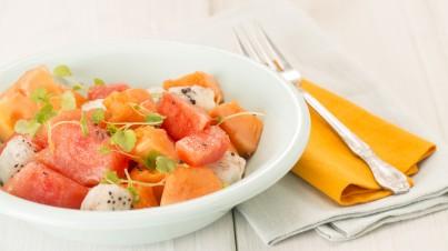 Tropische fruitsalade met papaja