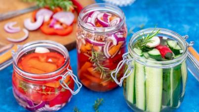 Verschillende gefermenteerde groentes