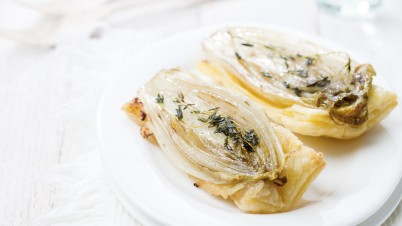 Small tarte tatins with chicory