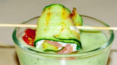 Zucchini-Lachsröllchen mit Frischkäse