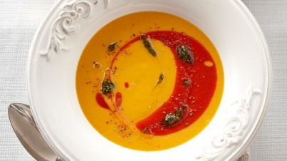 Sweet potato and roasted capsicum soup with basil