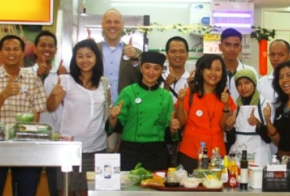 Lehrreiche Love my Salad Promotion in Indonesien