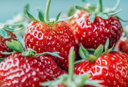 Met deze bewaartips haal je alles uit je bakje aardbeien