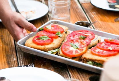 Koken met kliekjes: Hartige broodschotel met prei en pesto