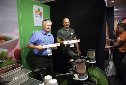 Love my Salad partnered with the Hydroponic Farmers Federation (HFF) for their 2018 conference to present a Bike n' Blend smoothie challenge.
