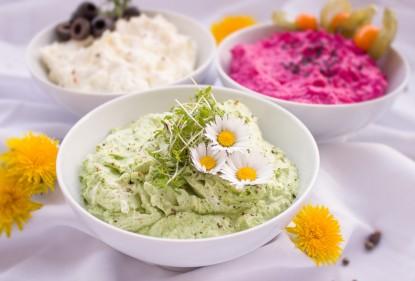 Drei Gemüse-Dips mit Auberginen, Paprika und Knollensellerie