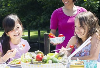 Vroege introductie van groenten aan kinderen het meest effectief
