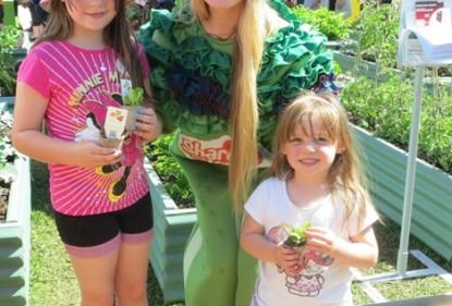 Perth show-goers treated to fresh salads - Western Australia