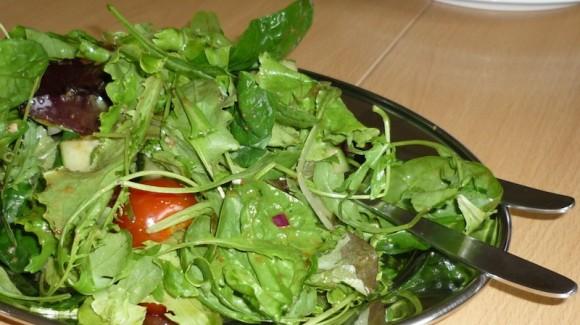 Шпинат, салат, помідори черрі, огірки - голландський рецепт!