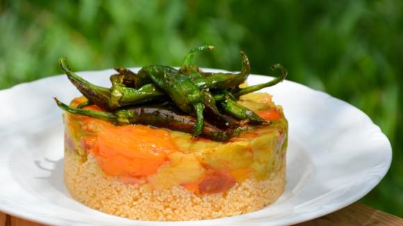 Ensalada de Cuscús con tomates confitados y pimientos de temporada
