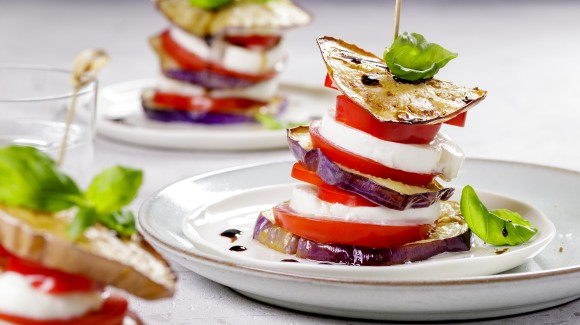 Grilled eggplant with mozzarella and pistachios   Love my Salad