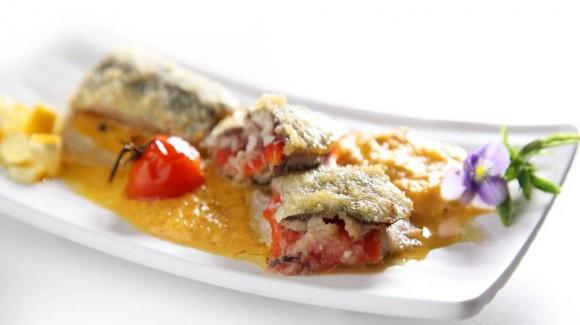 Sardines stuffed with roasted capsicum