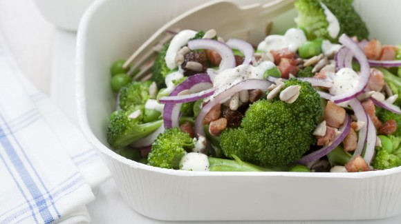Broccoli Salad with Raisins and Garden Peas