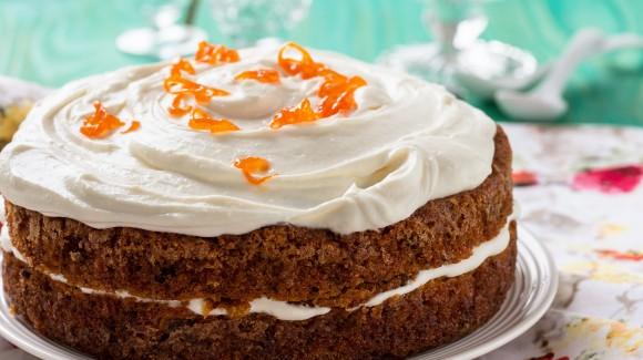 Carrot cake with lemon mascarpone icing