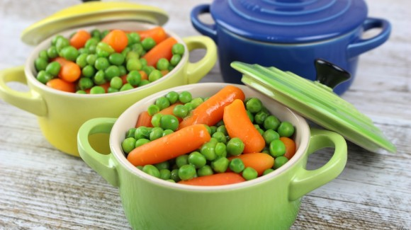Cazuelitas de guisantes y zanahorias para los peques
